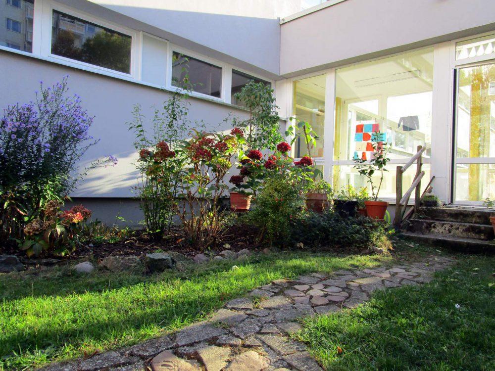 Straßenkindergarten-Innenhof